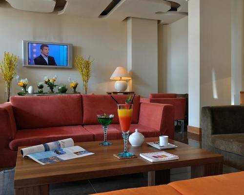avangani resort cannes la bocca 4 toiles 65 avenue du docteur picaud. Black Bedroom Furniture Sets. Home Design Ideas